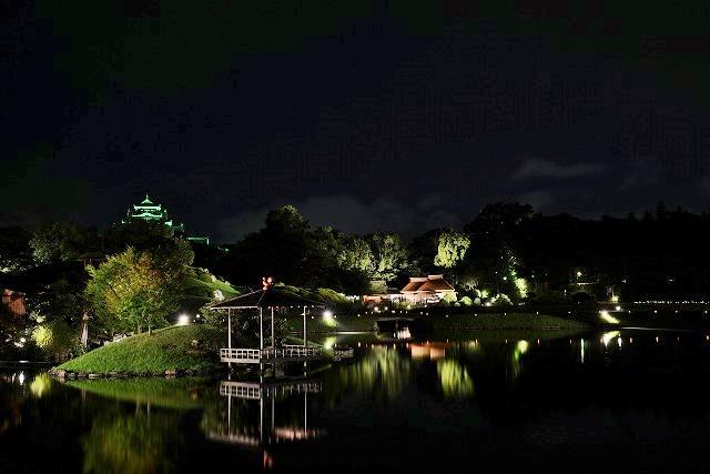 花火後の後楽園の幻想庭園1