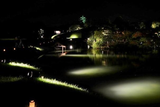 花火後の後楽園の幻想庭園3