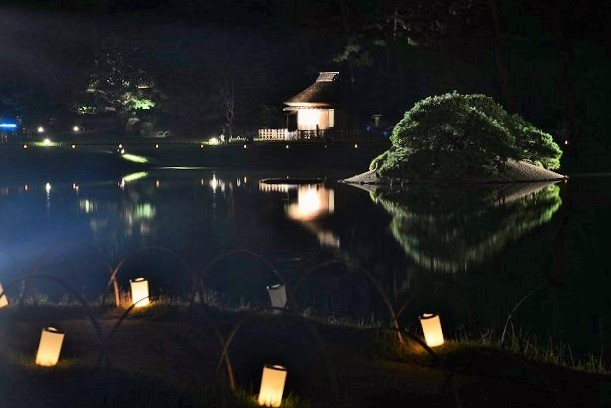 花火後の後楽園の幻想庭園6