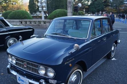 クラシックカー20131130 日産ブルーバード411-65