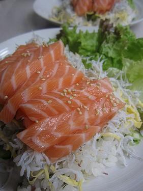 20140610 サーモンしらす寿司 (1)