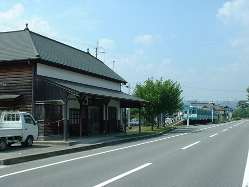 Kajiya-line_Ichihara_stn_ruin.jpg