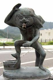 200px-Sakaiminato_Mizuki_Shigeru_Road_Akaname_Statue_12.jpg