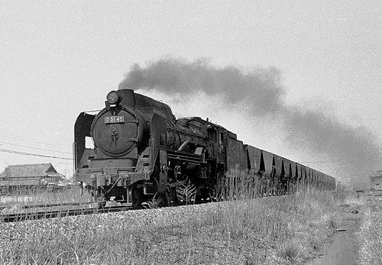 南良津付近を行く石炭列車