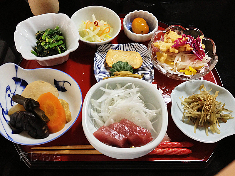 楽のランチ(小鉢8皿)