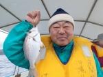 人生初釣りでタイゲット!(笑)(2014/2/11座間味)
