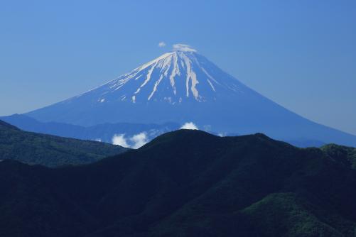 残雪の富士山。北杜市にて