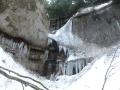 鮫歯の様な氷滝