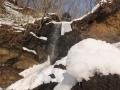 氷柱が落ちた滝