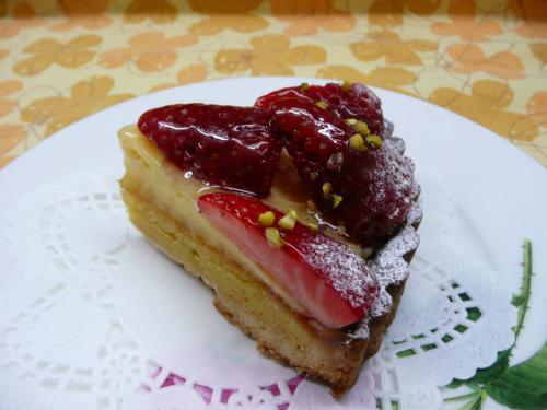 春の苺タルト