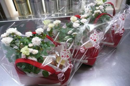 お花とお菓子のギフト②