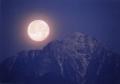 甲斐駒と満月