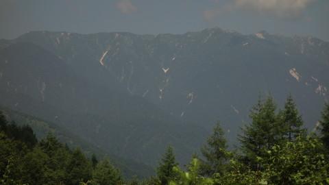 北アルプスの稜線