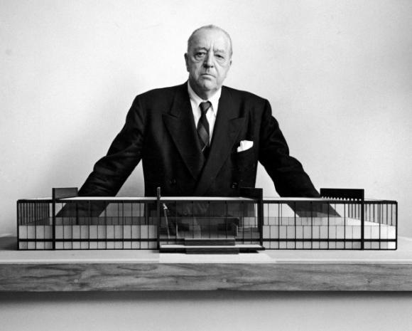 Ludwig-Mies-van-der-Rohe-640x514_convert_20140227001115.jpg