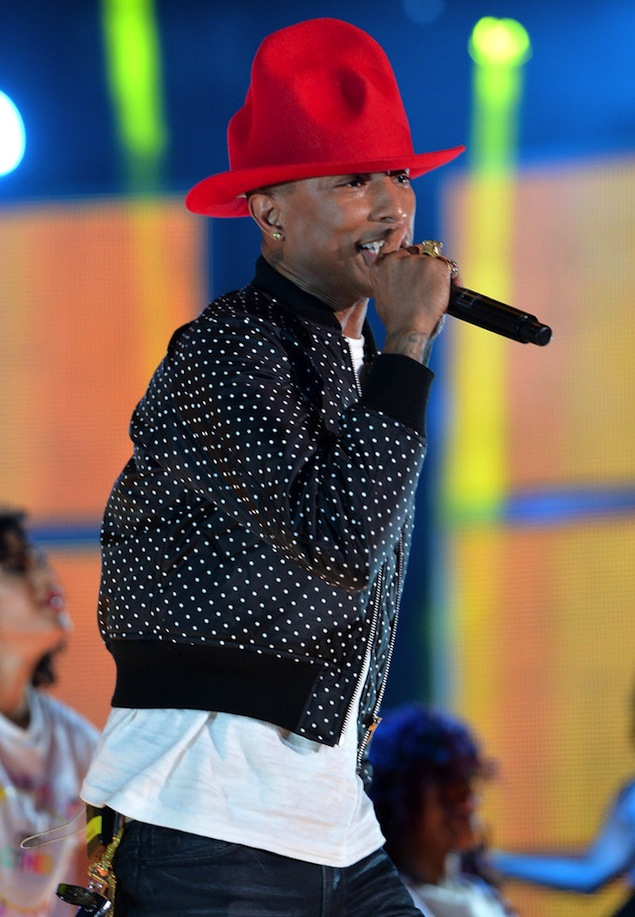 Pharrell-Williams-Vivenne-Westwood-red-hat.jpg