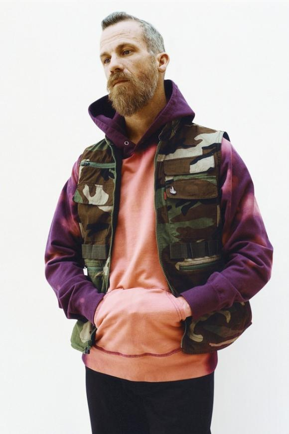 supreme-2014-spring-summer-lookbook-14-620x930_convert_20140218215218.jpg