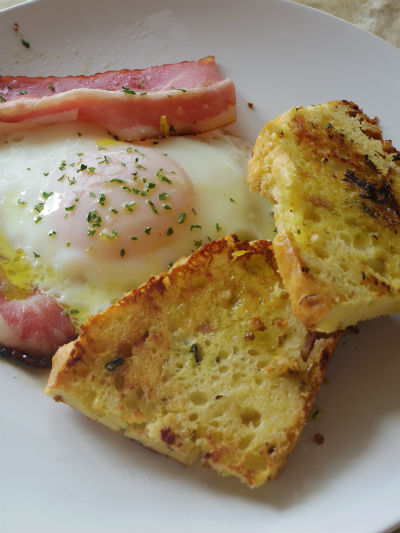 Bacon Fried Egg with Gtou
