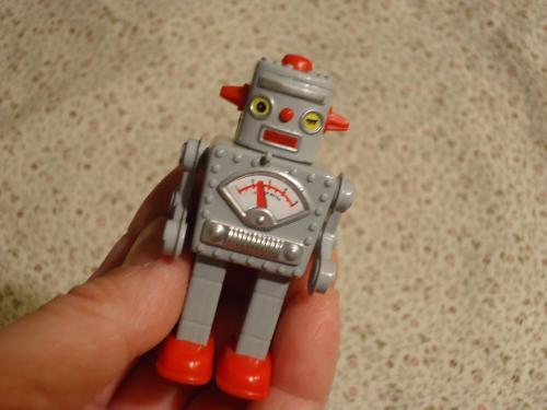 gonzou-omocha-robot.jpg