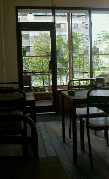 カフェ 窓