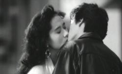 由紀夫とキスする佐和子