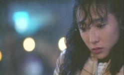 雨の中、ずぶ濡れの佐和子