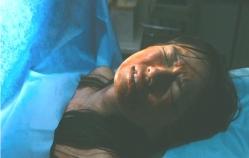 産婦人科で治療を受けている奈緒子