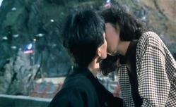 洸治にキスするマリ子