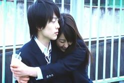 ユキテルに抱きつくユノ