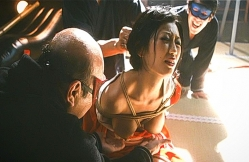 また変態・岡村、壇蜜姉さんのおっぱいをツンツンする