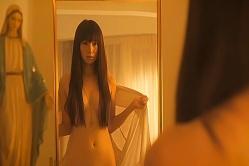 鏡の前で脱ぐ碧生