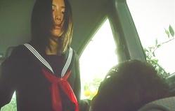 車の中で激しく腰を振る幸子