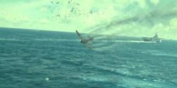 敵艦に近づくことなく、撃墜されて海に落ちていく零戦