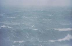 海に降る雪