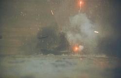 米機動部隊の容赦ない機銃弾が浴びせせれる