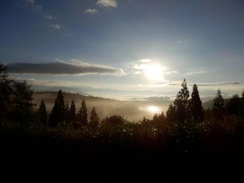 高原の・・朝