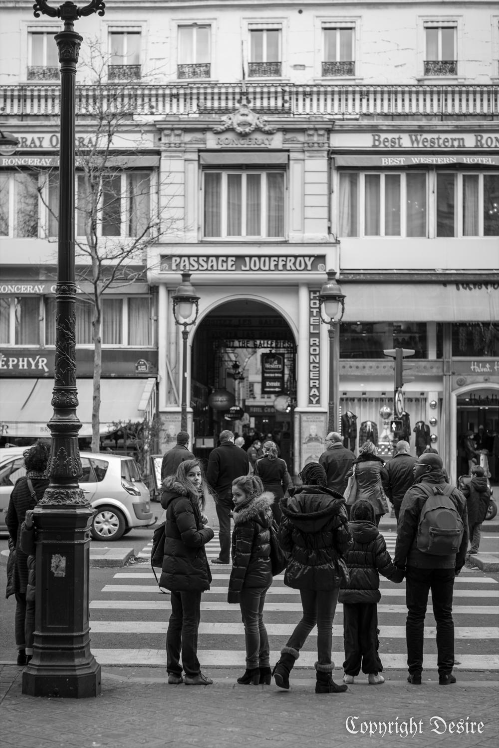 2014 Paris04_2002