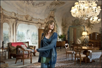 『鑑定士と顔のない依頼人』 クレアはこの屋敷に引きこもって暮らしている。