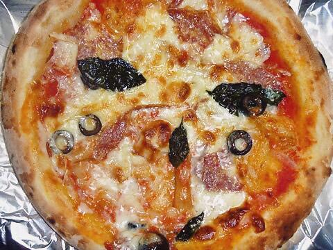 ピザレボの「ミラノデラックス」 焼いた後
