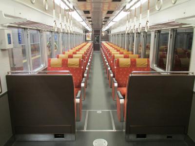 京トレイン車内1