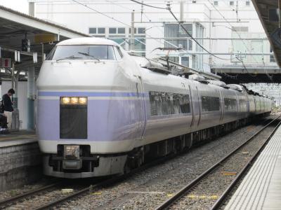 松本駅スーパーあずさ1