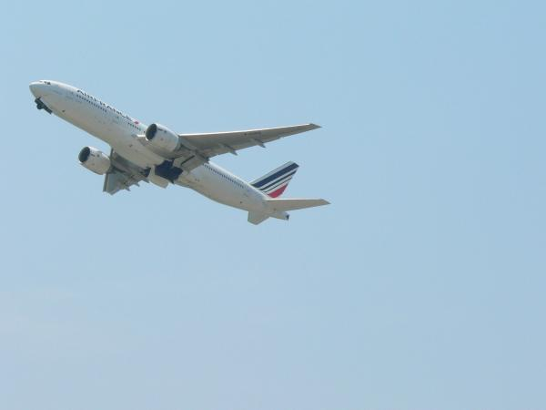 飛行機12
