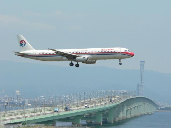 飛行機30