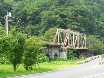 川原湯温泉付近鉄橋