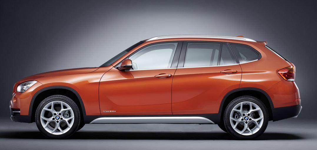 BMW X1サイド
