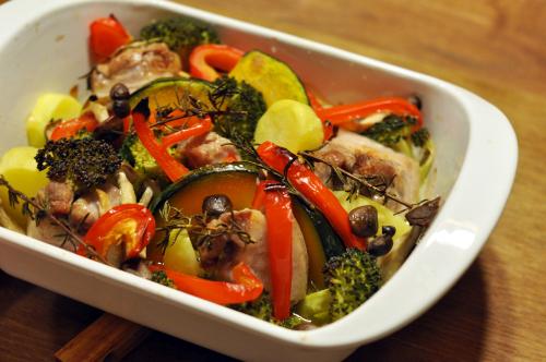 lekue「STEAM&ROAST」で 豚肉と彩り野菜のハーブロースト