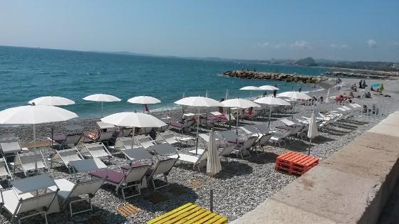 地中海の海岸2