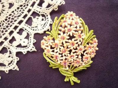 ピンク花のブローチ1