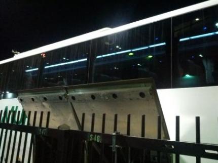 選手のバス