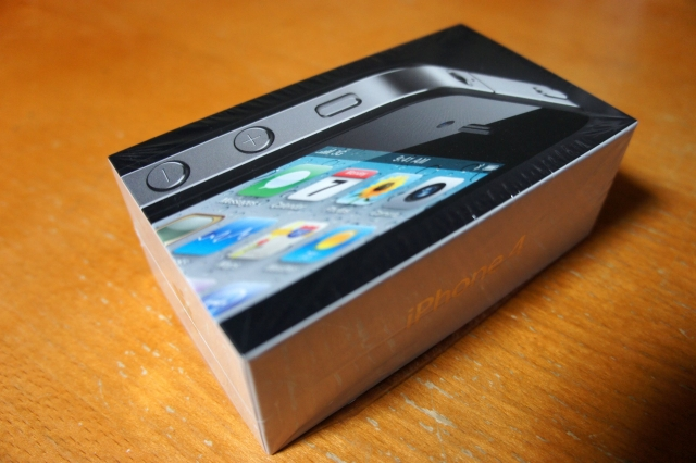 apple_iphone4_box_04.jpg