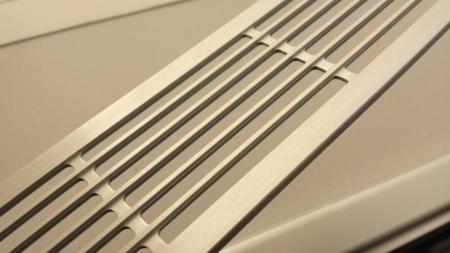 パロマのビルコン クレアのアルミ排気口カバーデザインがモダン